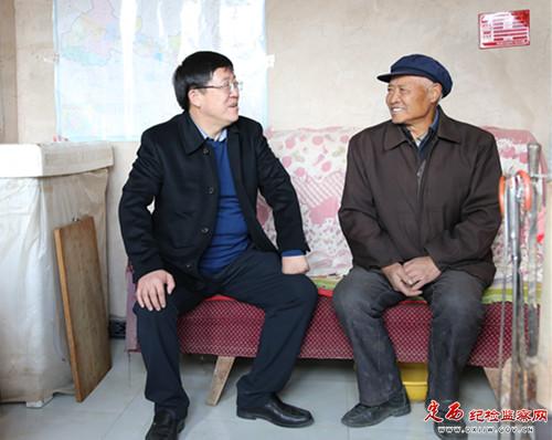 温卫东在漳县调研指导脱贫攻坚和纪检监察工作